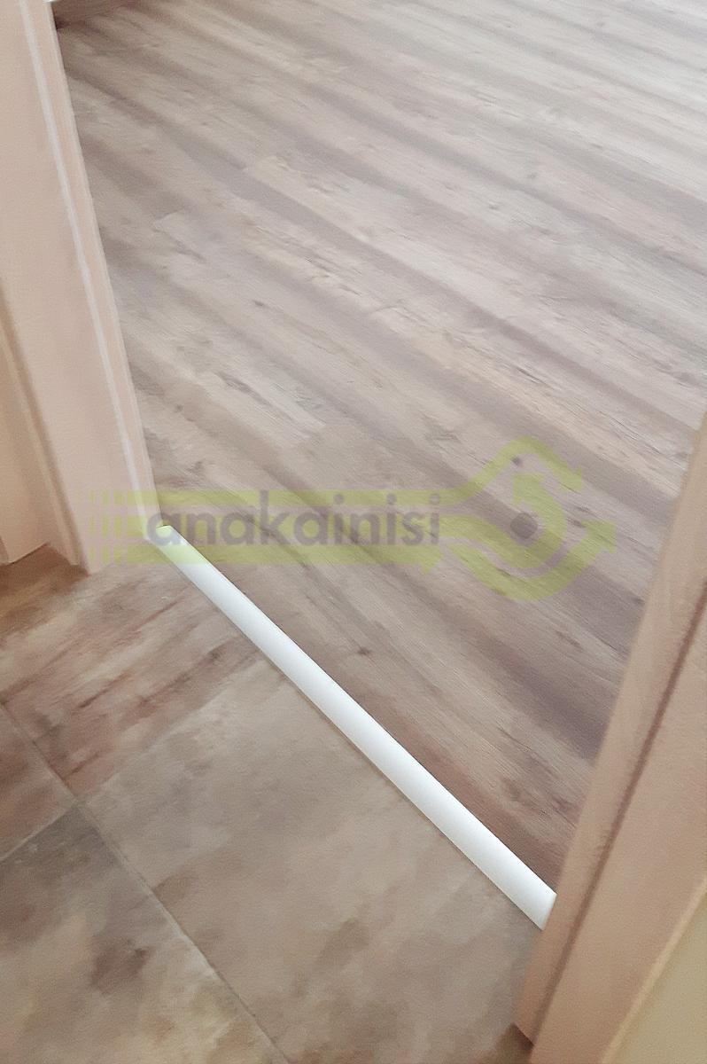 Πλακάκια - πάτωμα laminate